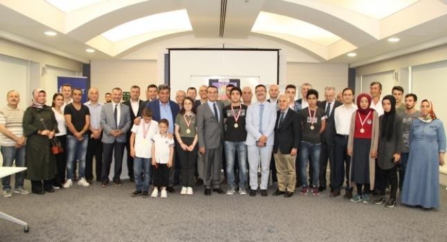ÇOSB Resim ve Kompozisyon Yarışması'nda dereceye girenler ödüllerini aldı