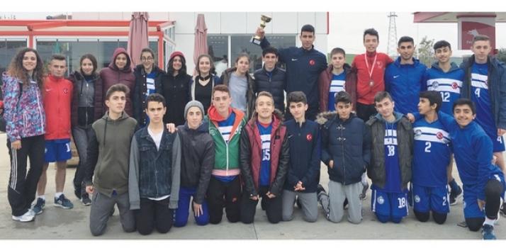 Özel ÇOSB Mesleki ve Teknik Anadolu Lisesi Atletizm Takımı İl Birincisi oldu