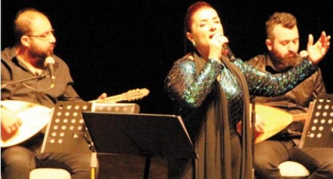 Karatepe'nin Türk halk müziği konseri büyük beğeni aldı