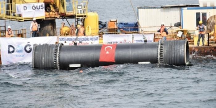 Derin Deniz Deşarj Projesi'nde deniz hattına son boru yerleştirildi
