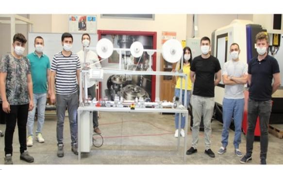 Özel ÇOSB Mesleki ve Teknik Anadolu Lisesi 'Cerrahi Maske Üretim Makinesi' yaptı