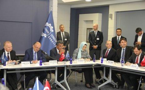 Çalışma Bakanı Müezzinoğlu ÇOSB'de sanayicilerle buluştu