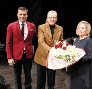 Çerkezköy Belediyesi Türk Müziği Korosu ilk konserini ÇOSB Salonunda verdi
