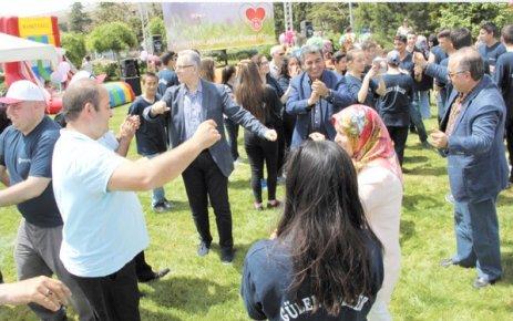 ÇOSB '9. Gülen Yüzler Pikniği'nde engelliler eğlenceli anlar yaşandı