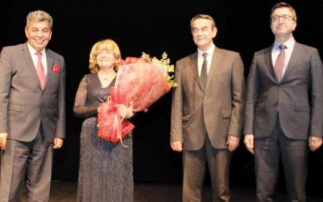 ÇOSB, dünyaca ünlü piyanist İdil Biret'i ağırladı