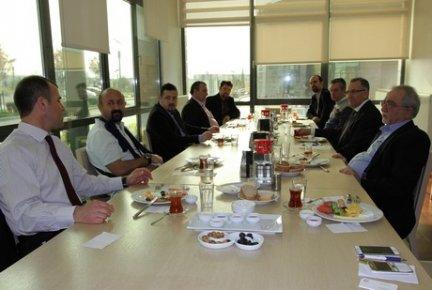 ÇOSB Kahvaltı Buluşmalarına tekstil sektörü temsilcileri katıldı