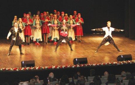 Devlet Halk Dansları Topluluğu Çerkezköy OSB'de sahne aldı