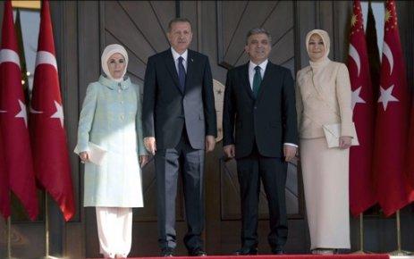 Erdoğan Çankaya Köşkü'ne çıktı, Davutoğlu yeni hükümeti kurdu