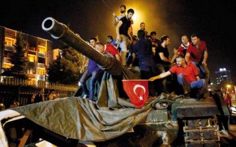 Halk tanklara çıktı darbe püskürtüldü
