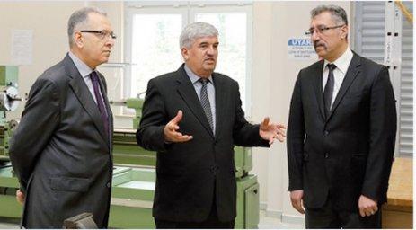Kapaklı Belediye Başkanı Mandalı ÇOSB Okulu'nu ziyaret etti