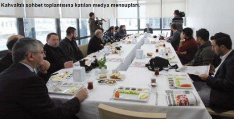 Özdoğan, basın, ilaç ve kimya sektörü temsilcileriyle kahvaltıda buluştu