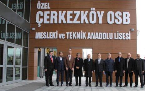 Tekirdağ Valisi Mehmet Ceylan Özel ÇOSB Meslek Lisesi'ni inceledi
