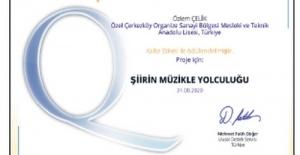 Özel ÇOSB Mesleki ve Teknik Anadolu Lisesi öğretmenine 'Ulusal Kalite Etiketi' ödülü