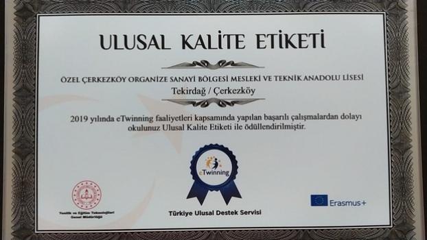 Özel ÇOSB Mesleki ve Teknik Anadolu Lisesi 'Ulusal Kalite Etiketi' ile ödüllendirildi