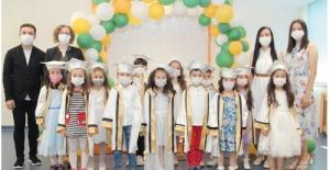 Özel ÇOSB Kreş ve Gündüz Bakımevi'nde mezuniyet töreni heyecanı