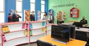 Vali Yıldırım, ÇOSB Ortaokulu'nda Z Kütüphane açılışına katıldı